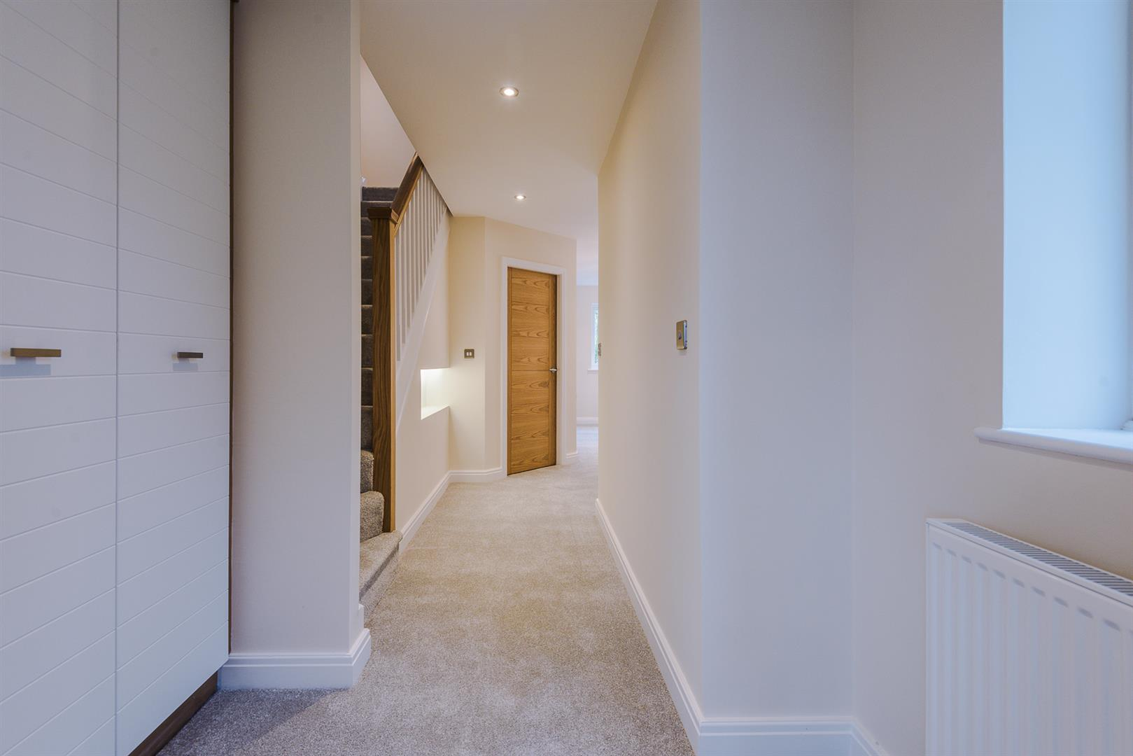 5 Bedroom House For Sale Image 38